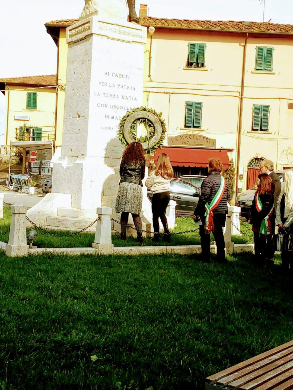 Cerimonia di commemorazione dei caduti in guerra